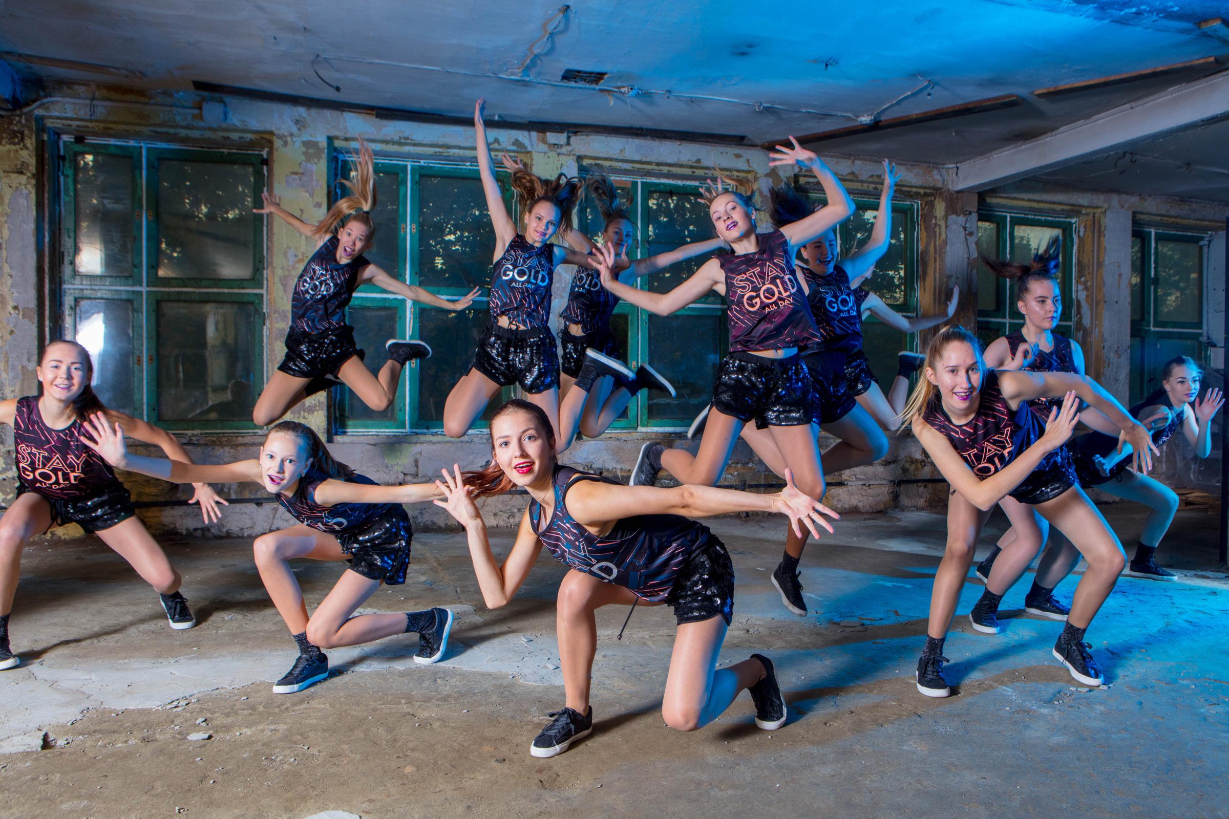 FACE-moe-ja-tantsukool-cheerleaders2