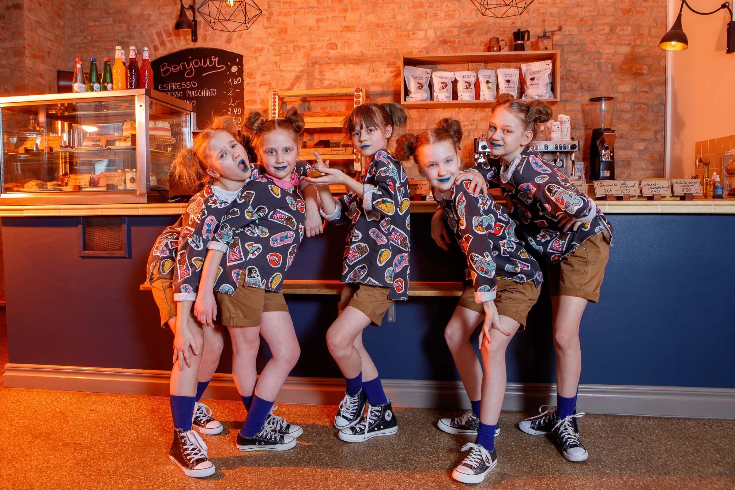 FACE-moe-ja-tantsukooli-tants-_Tort_-kohvikus-Caramel18