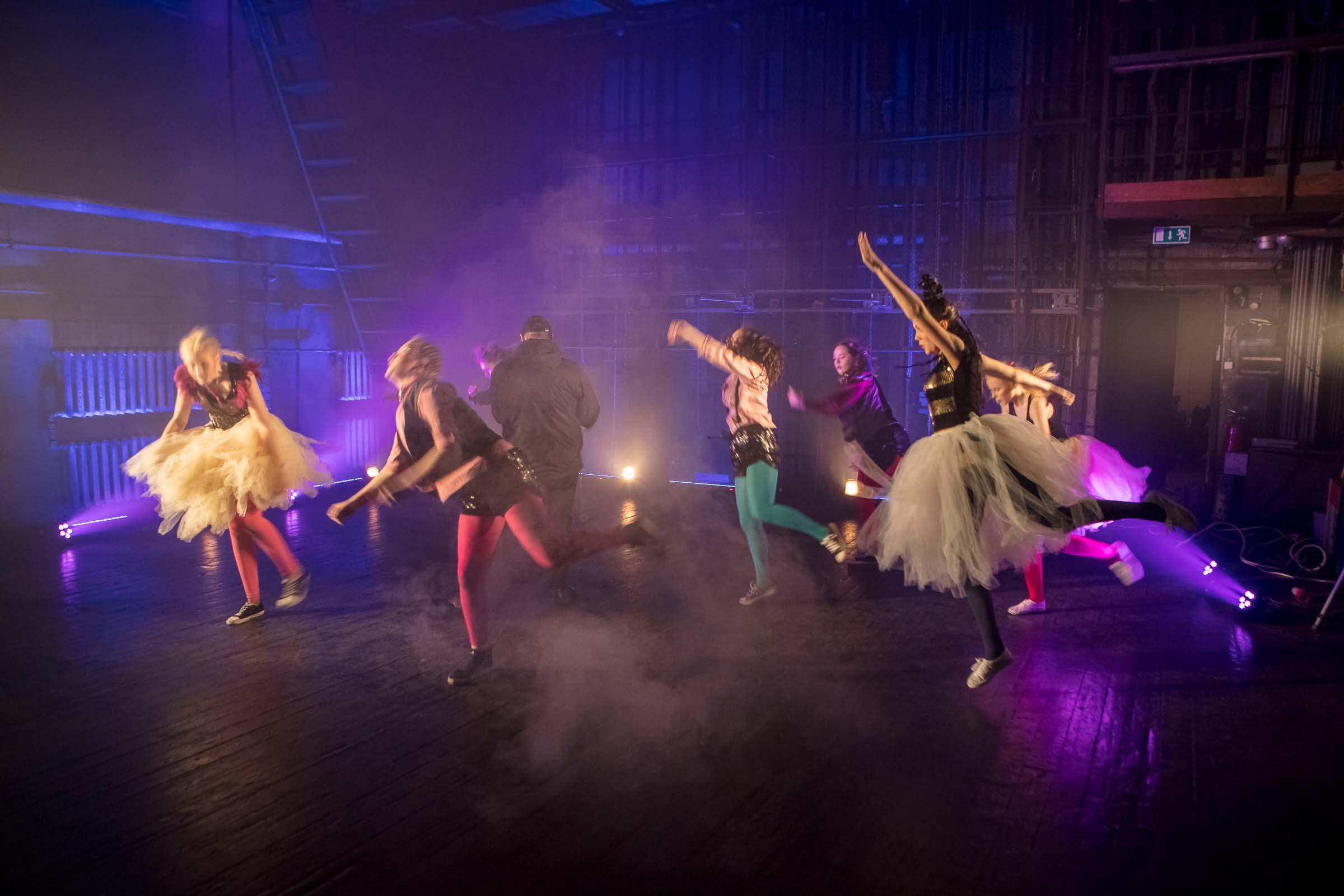 FACE-moe-ja-tantsukooli-tantsu-_Dolls_-video-filmimine6